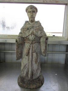 Statue with missing hands